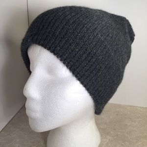 Urban outfitters BDG Gray knit fall beanie –unisex